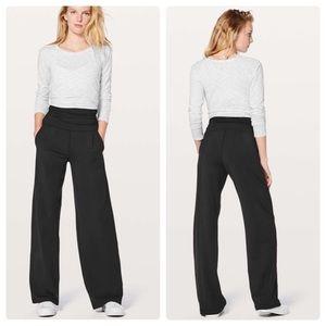 """Lululemon Take It Easy Pant Black 31"""" Size 10"""